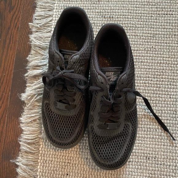 Nike Air Force 1 - black mesh
